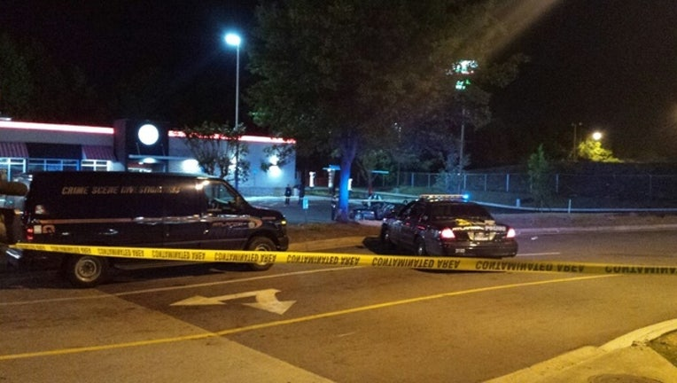 Officers hurt responding to murder call