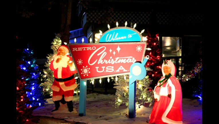 Retro Christmas USA Sign_SFOG_1446045494935.jpg