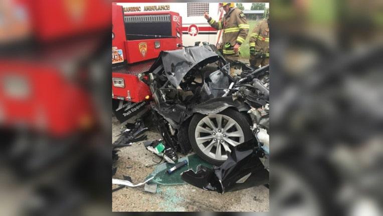 7ec2dcb6-South Jordan Police photo of Tesla crash-404023