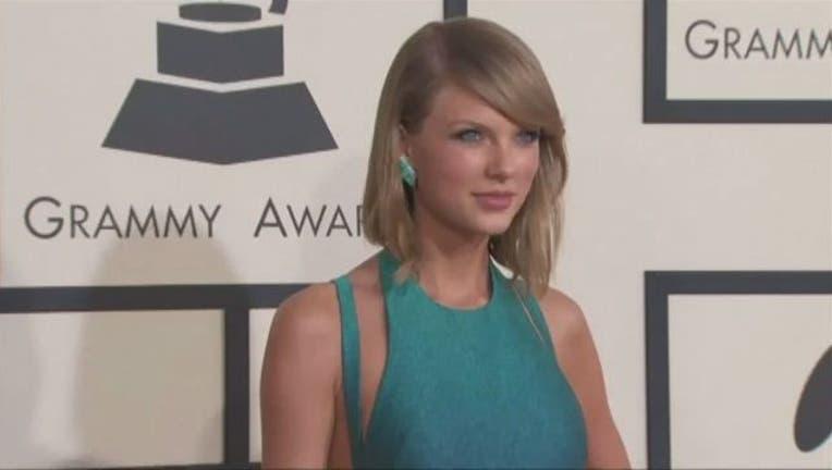 Taylor Swift-401720-401720.jpg