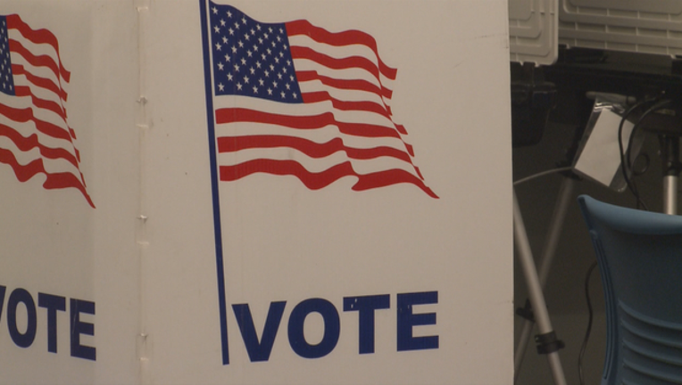 V EARLY VOTING STARTS 5P_00.00.16.11_1511834046845.png