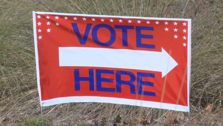 V EARLY VOTING STARTS 5P_00.00.30.18_1511834049312.png