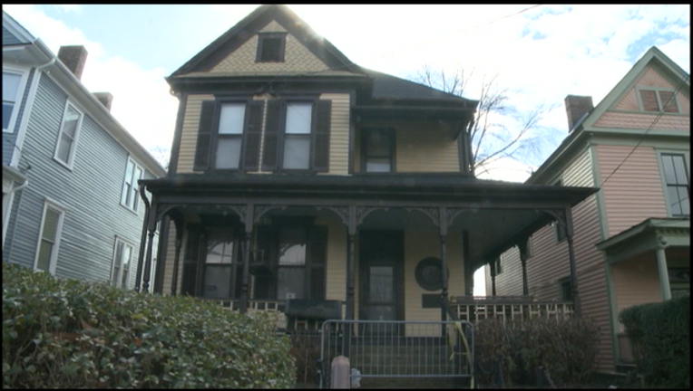 V MLK HOUSE OPEN FOR TOURS 6P _00.00.29.12_1484365250572.png