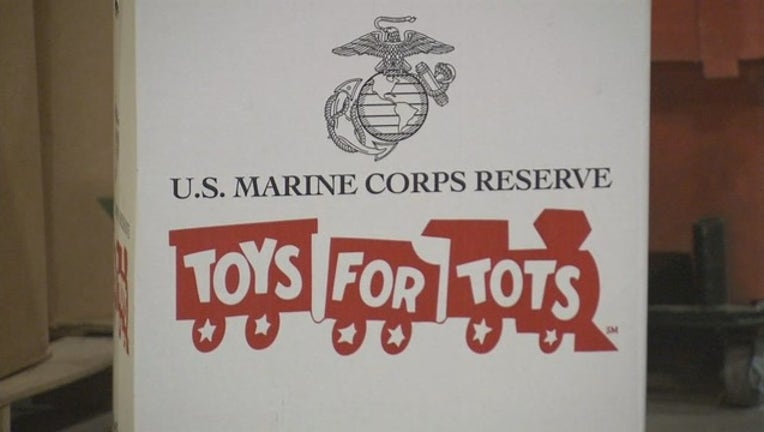 5dcafe20-V TOYS FOR TOTS WAREHOUSE 5P _WAGA453b_146.mxf_00.00.00.19_1517008876420.png.jpg