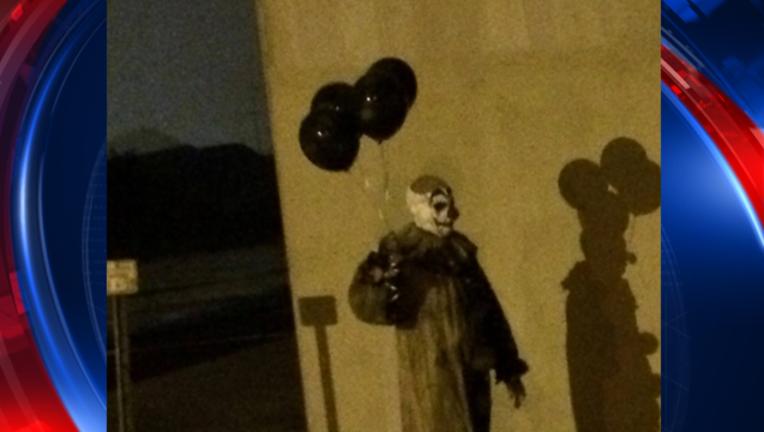 WI creepy clowns_1470360102323-409650.png