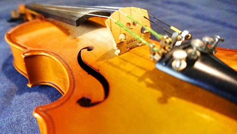 Wikimedia_Violin_121718_1545081935513.jpg