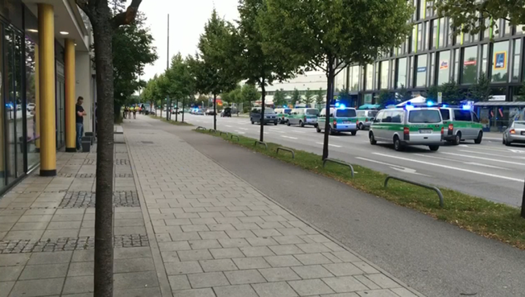 b1be8582-Shots outside of Munich Mall.mpg_13.10.36.12_1469207534443.png
