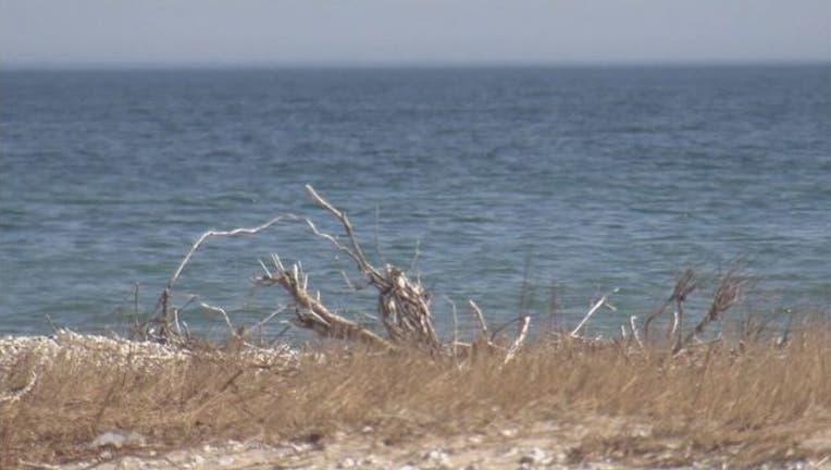 beach lake waves water_1516972306278.jpg-65880.jpg