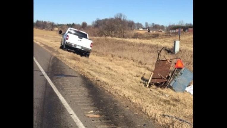 2066c693-Horse and Buggy crash scene-409162