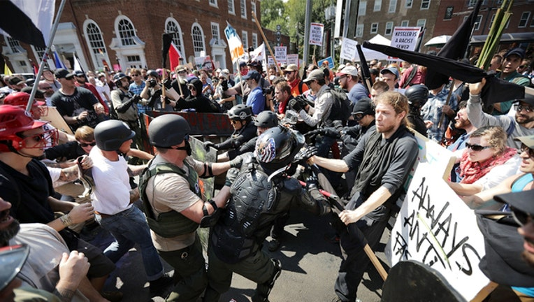 9c0550d6-Charlottesville fights (GETTY IMAGES)-401720