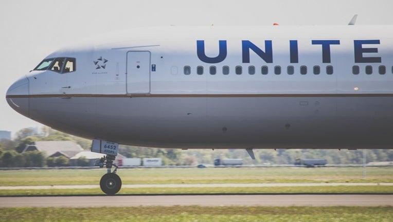 united_airlines_plane_flight_generic_051318-401096