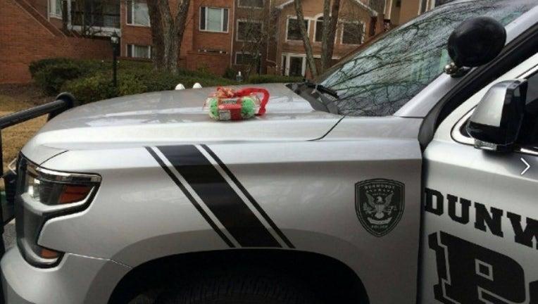 f283ba74-police gift_1482599937830.jpg