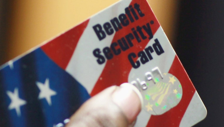 Food Stamps (GETTY IMAGES)-401720