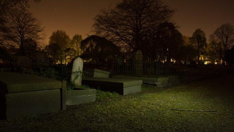 funeral_graves_tombstones_generic_092517_1506362822752-401096.jpg