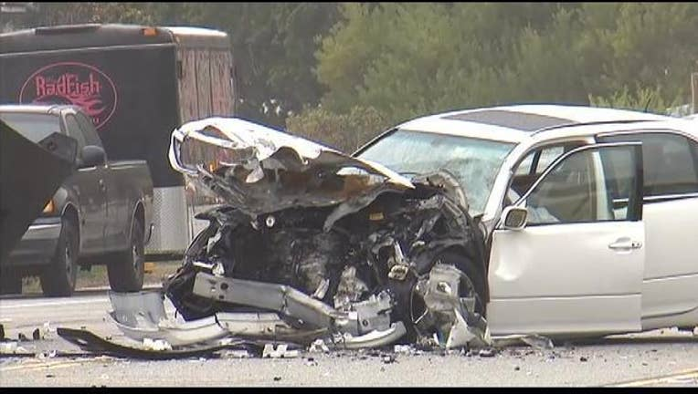 Jenner crash in Malibu on PCH-407068