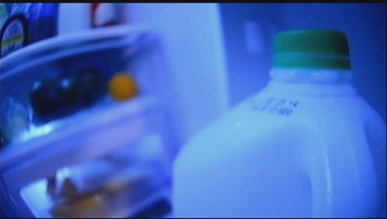 cb9eebfb-milk_fridge-65880.jpg