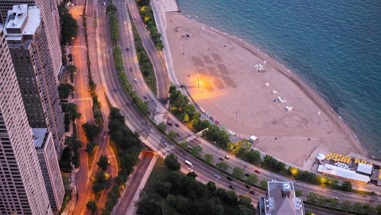ab32bee2-oak-street-beach_1464282452328-404023.jpg