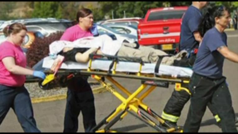 42cea633-A gunman killed 9 people at Umpqua Community College in southwestern Oregon