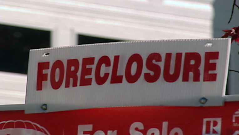 real estate foreclosure for sale sign generic _00.00.12.00_1498857811761.png