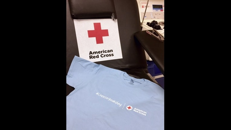 2adc0fb6-Limited edition Red Cross t-shirt