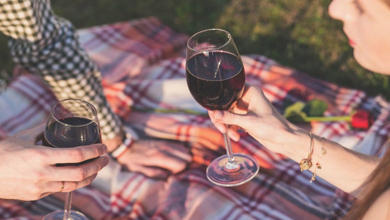 red wine with people stock photo_1519298981755.jpg-401385.jpg