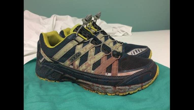tennis shoes_1465904806388.jpg