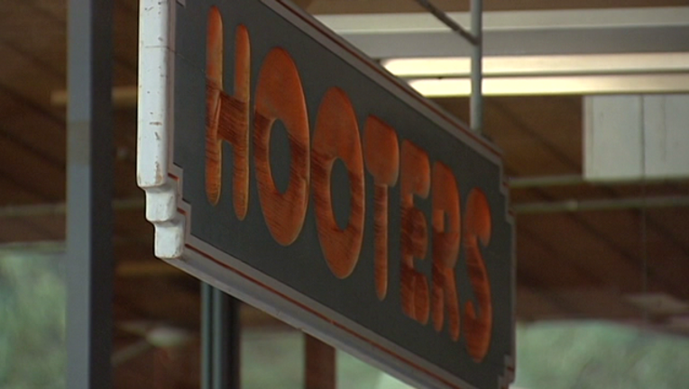 hooters-408795.png