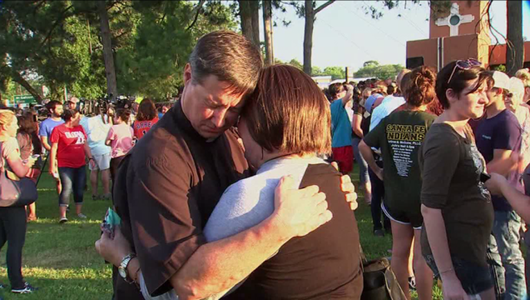 Santa Fe High School shooting prayer vigil-408795