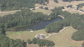 Deputies: Body found in Barrow County pond