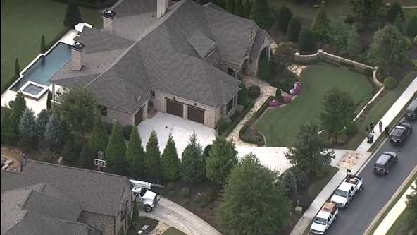 SWAT team surrounds home in Milton