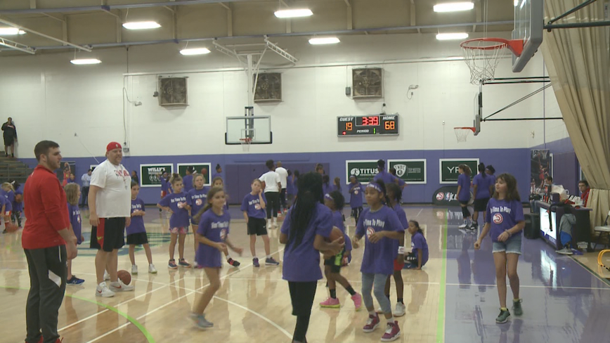 Atlanta Hawks sponsor all-girl basketball clinic