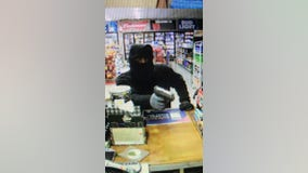 Carrollton police searching suspect in convenience store robbery