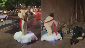 """""""Thank you, Jesus!"""" Man rocks Jesus Christ costume on Mill Avenue, gives bread to homeless man"""