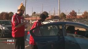 Atlanta Falcons give back for Thanksgiving