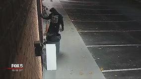 Crook caught on camera breaking into Alpharetta temple