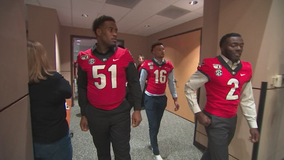 UGA players visit patients at Children's Healthcare of Atlanta, Shepherd Center