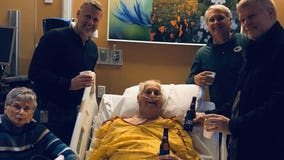 Dad shares one last beer with sons in photo taken hours before cancer death