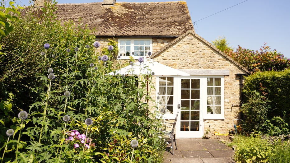 Farthing-Cottage-front-of-cottage.jpg