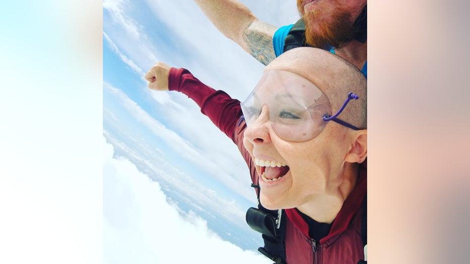 Ashley Gunter skydives