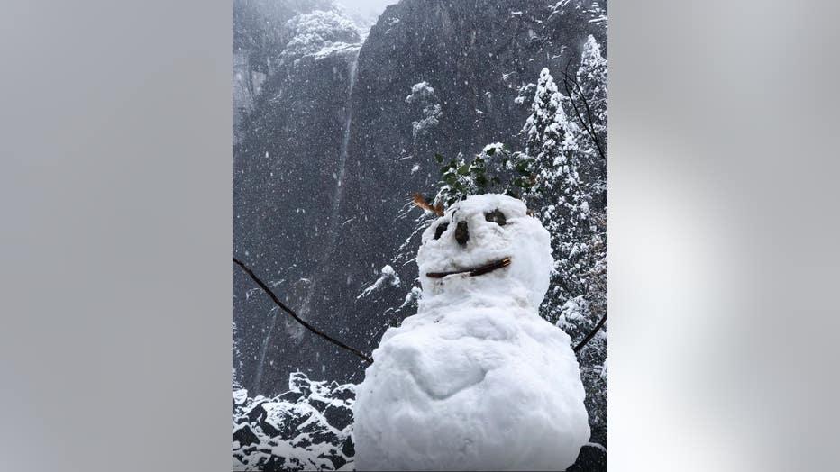 yosemite-snowman.jpg