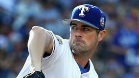 Hamels signs with Braves: 'I wanted to play on a contender'