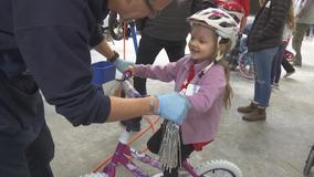 More than 600 children receive a bike as a gift