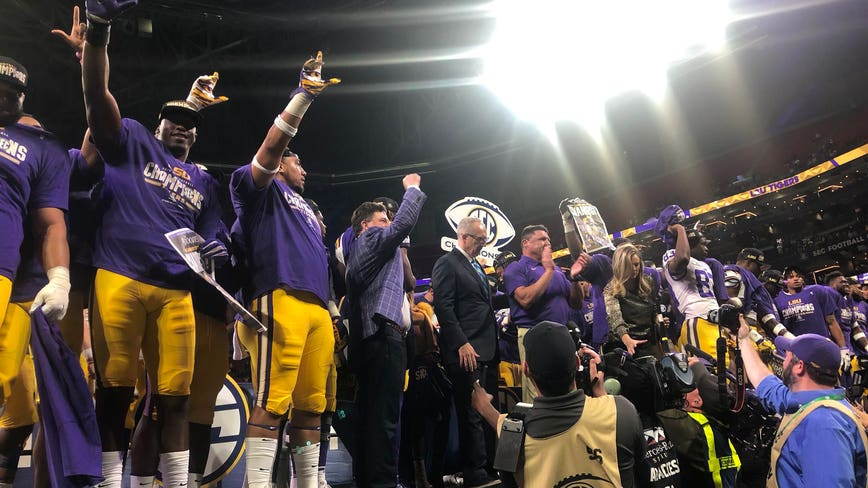 Burrow completes Heisman coronation, LSU routs Georgia 37-10