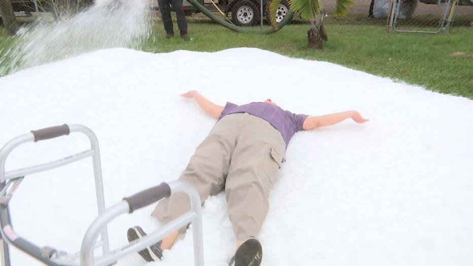 veteran-gets-snow-in-tampa.jpg