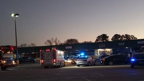 1 killed, 1 injured in shooting a College Park discount mall