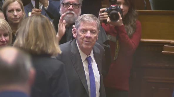 Former Sen. Johnny Isakson receives standing ovation during State of the State Address