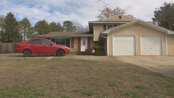 Rental scam finds Decatur family scrambling for shelter