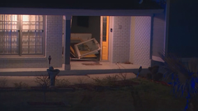 Jeep crashes into South Fulton home's front door