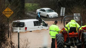 2 drivers stranded in rising floodwaters in Habersham County