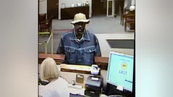 Police searching for Gainesville bank robbery suspect